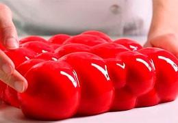 Динара Касько создает торты при помощи 3D печати